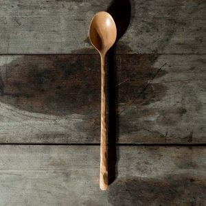 Cuillère artisanale en bois de merisier Silencio de la maison WildSpoons