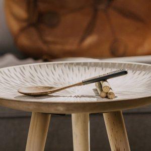 Cuillère en bois sculptée à la main